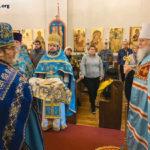 На Сретение Митрополит Иларионсовершил Литургию и освятил свечив нашем храме